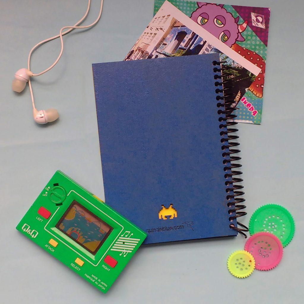 quindeblue-cuaderno-space-invader-a6-contraportada