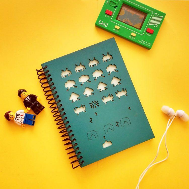 quindeblue-cuaderno-space-invader-a6-portada-2